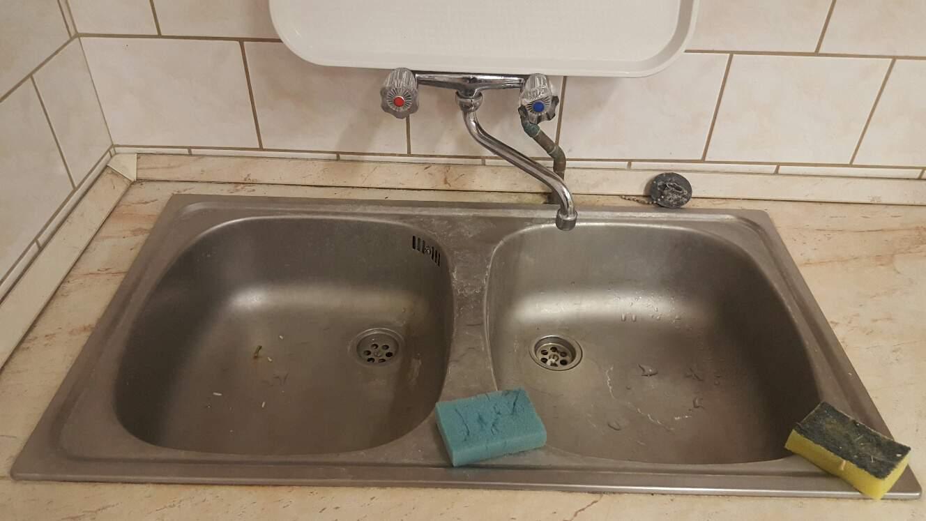Konyhai mosogató csatlakoztassa lefolyót